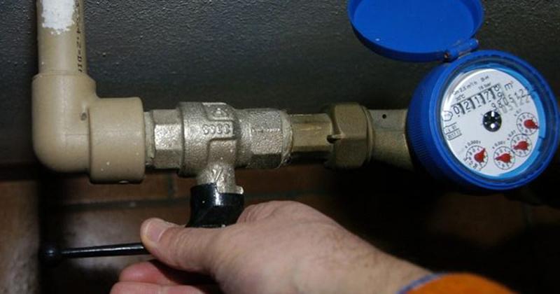 Danneggiano i contatori e fingendosi tecnici rubano in - Contatore gas in casa ...