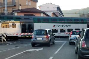 erba_passaggio_livello_treno (2)