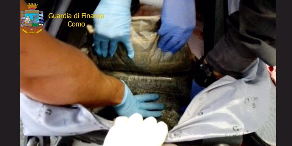 Eroina in valigia, turista arrestata