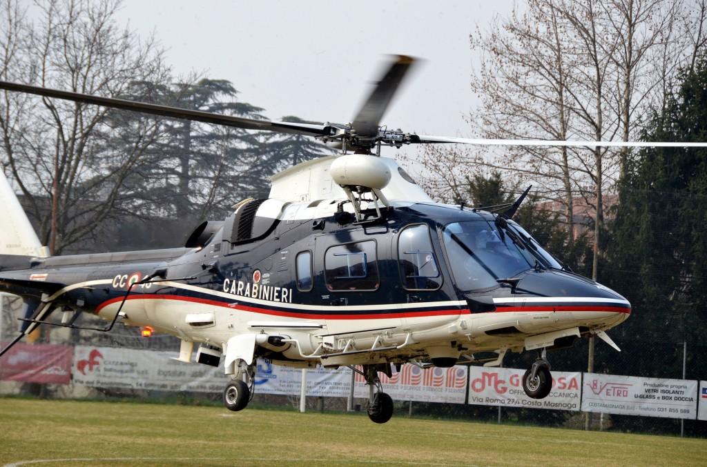 Elicottero 2 Posti : Donna dispersa all alpe del vicerè salvata dai