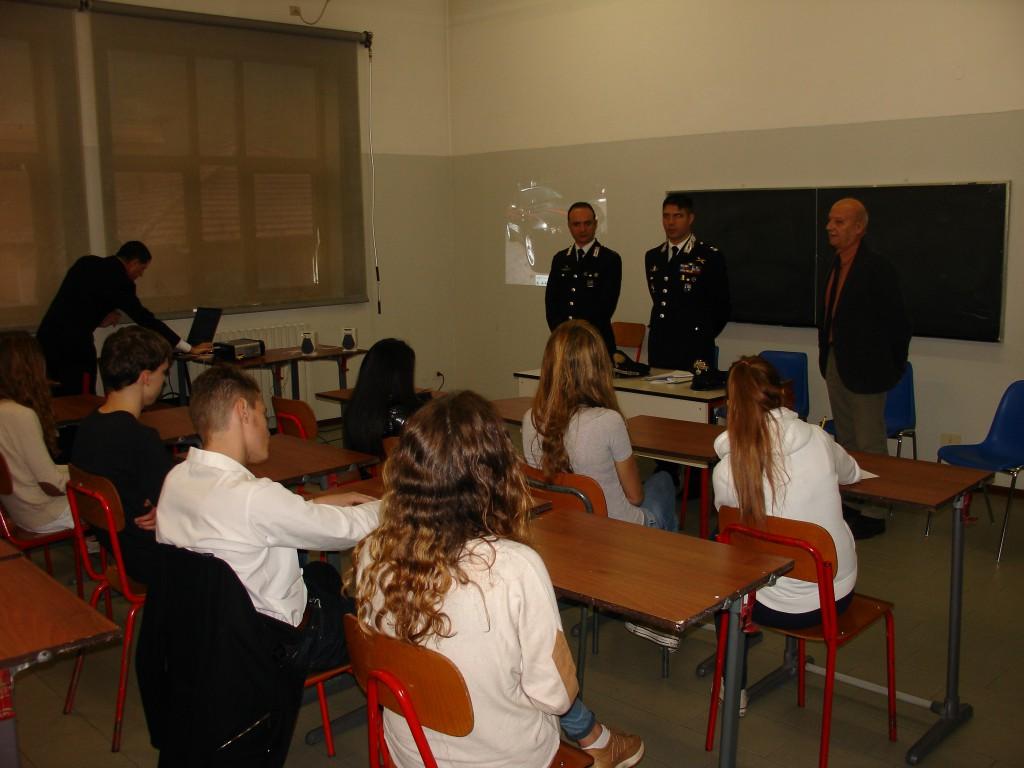 Liceo Artistico Michelangelo Como al via il concorso artistico per il bicentenario dell'arma