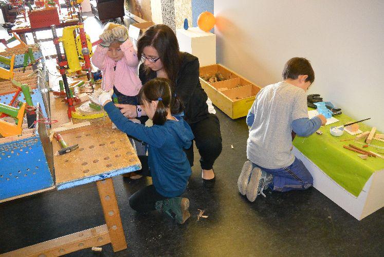 Alla 40 moma piccoli artigiani coltivano la passione per for Piccoli piani artistici per artigiani