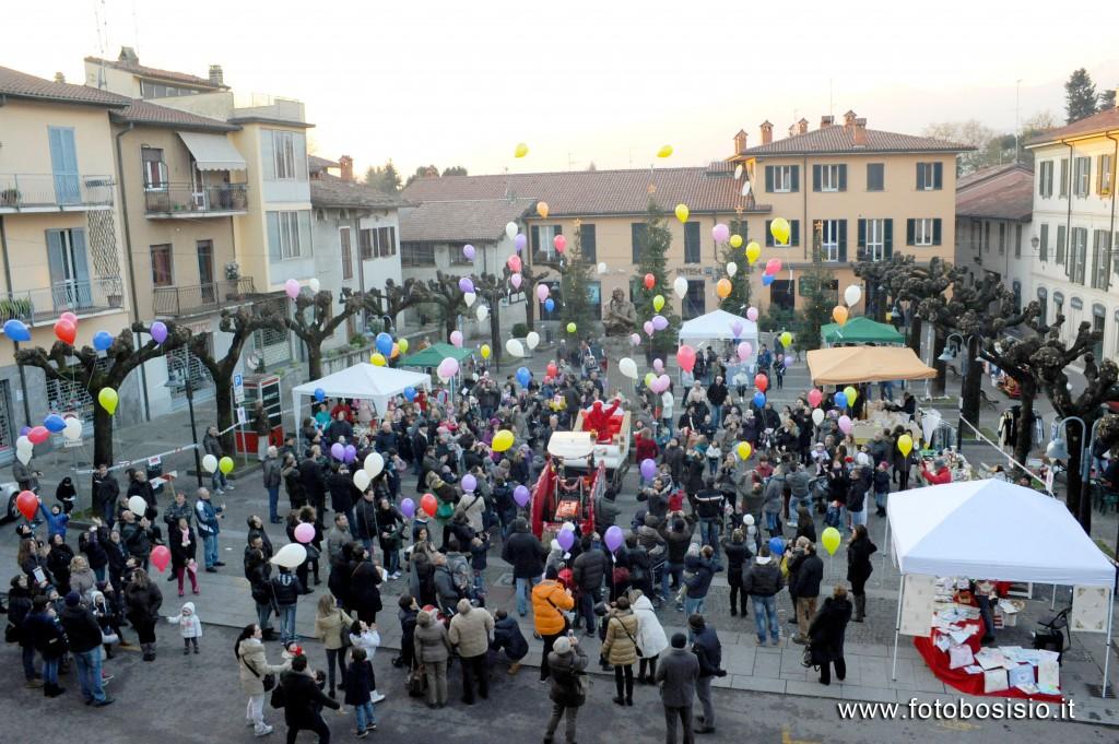 Che successo i mercatini di natale della pro loco bosisio for Mercatini lecco