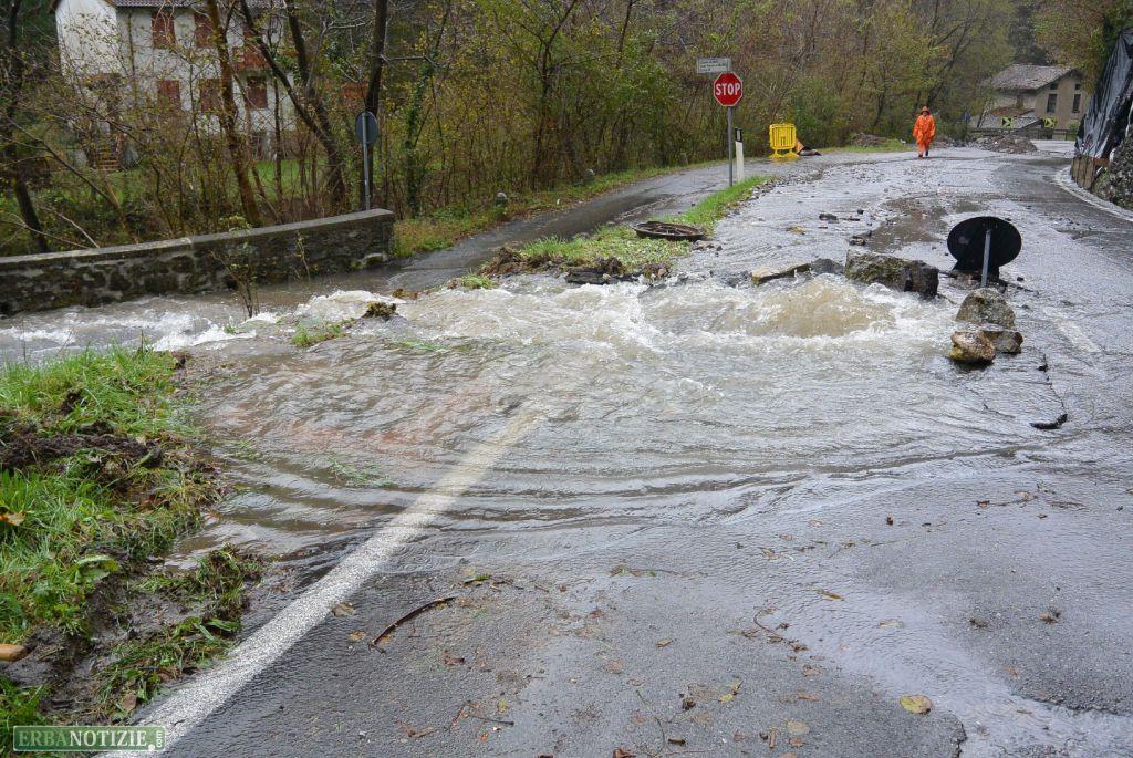 Maltempo gravi danni sulla strada tra asso e lasnigo erbanotizie il quotidiano on line dell - Nava piastrelle canzo ...