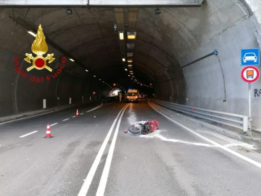 incidente mortale moto dongo