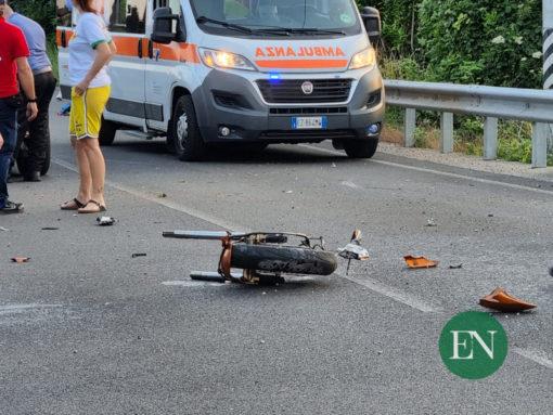 incidente moto albavilla